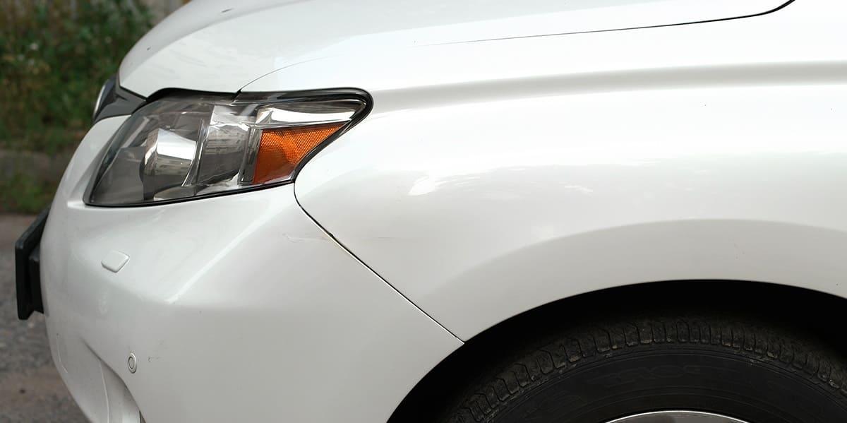 удаление вмятины без покраски на крыле авто